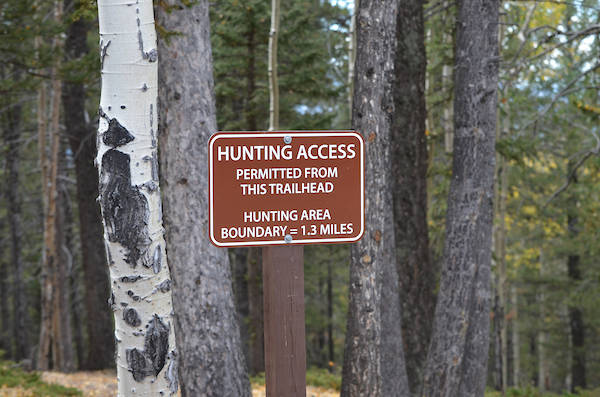 Hunting Access sign